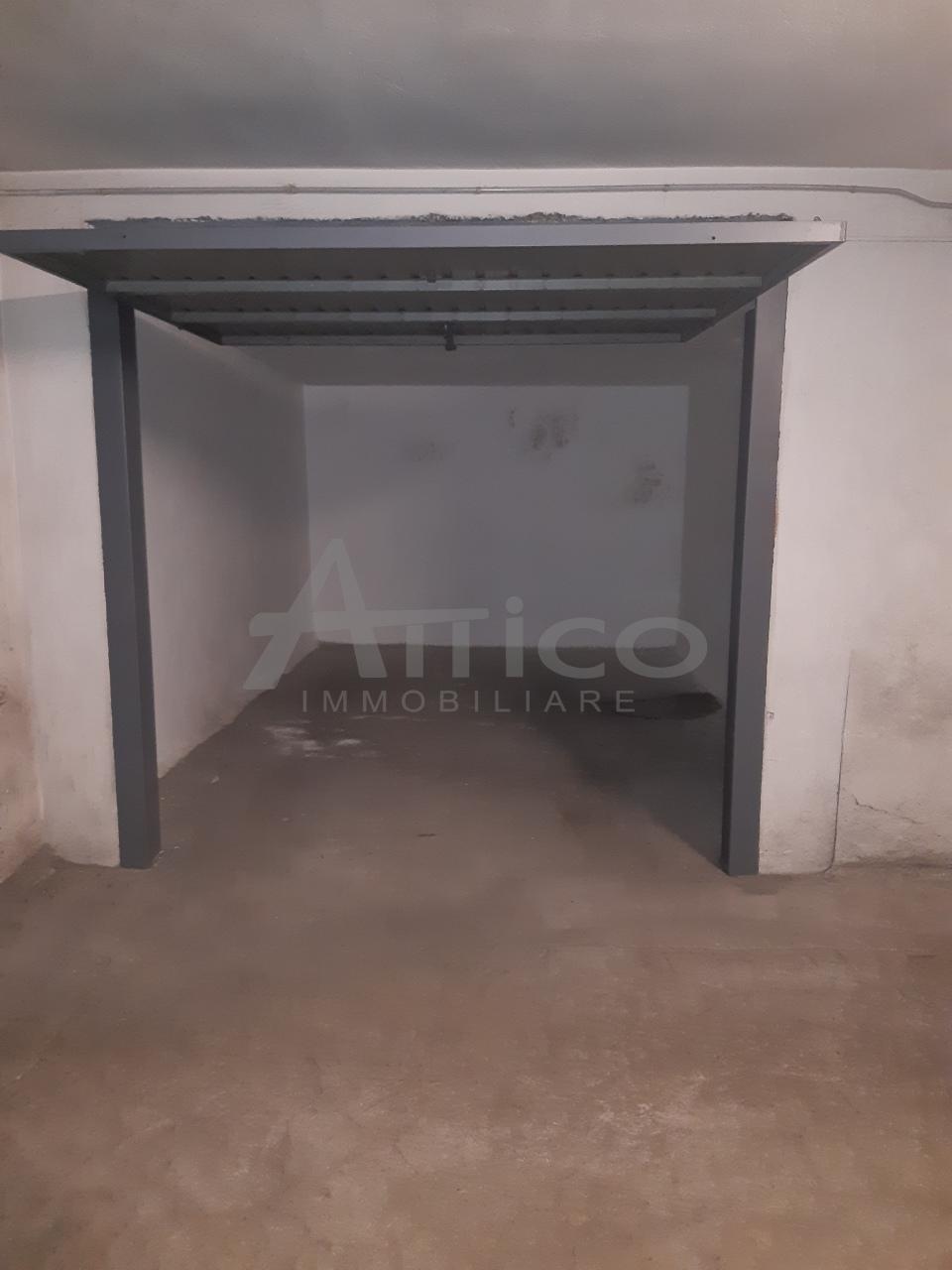 Garage / Posto Auto - Coperto a Centro città, Rovigo