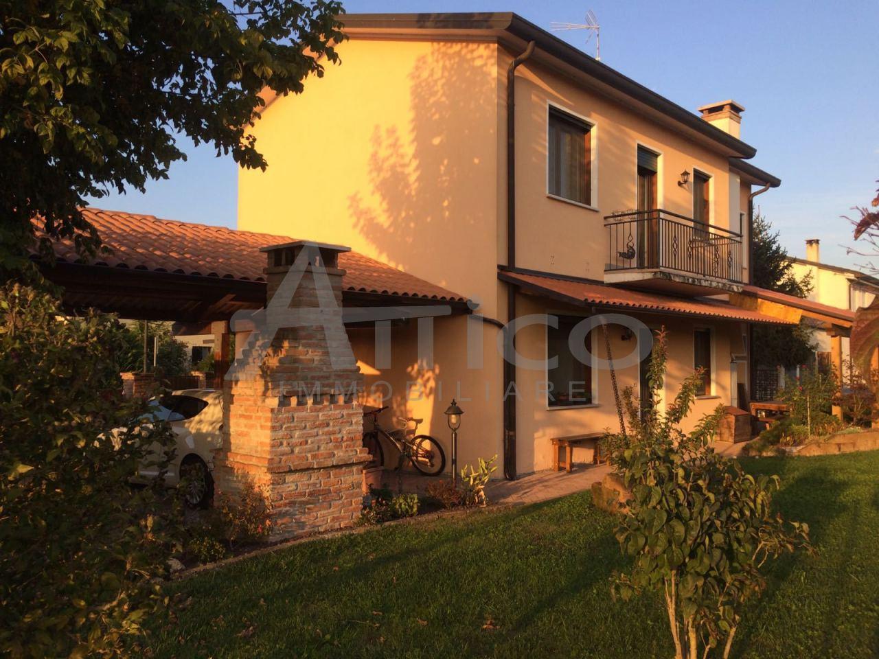 Casa Indipendente in buone condizioni in vendita Rif. 4169485