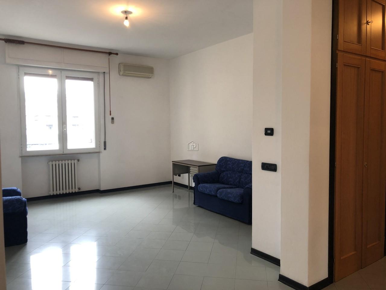 Appartamento ristrutturato in affitto Rif. 8489145