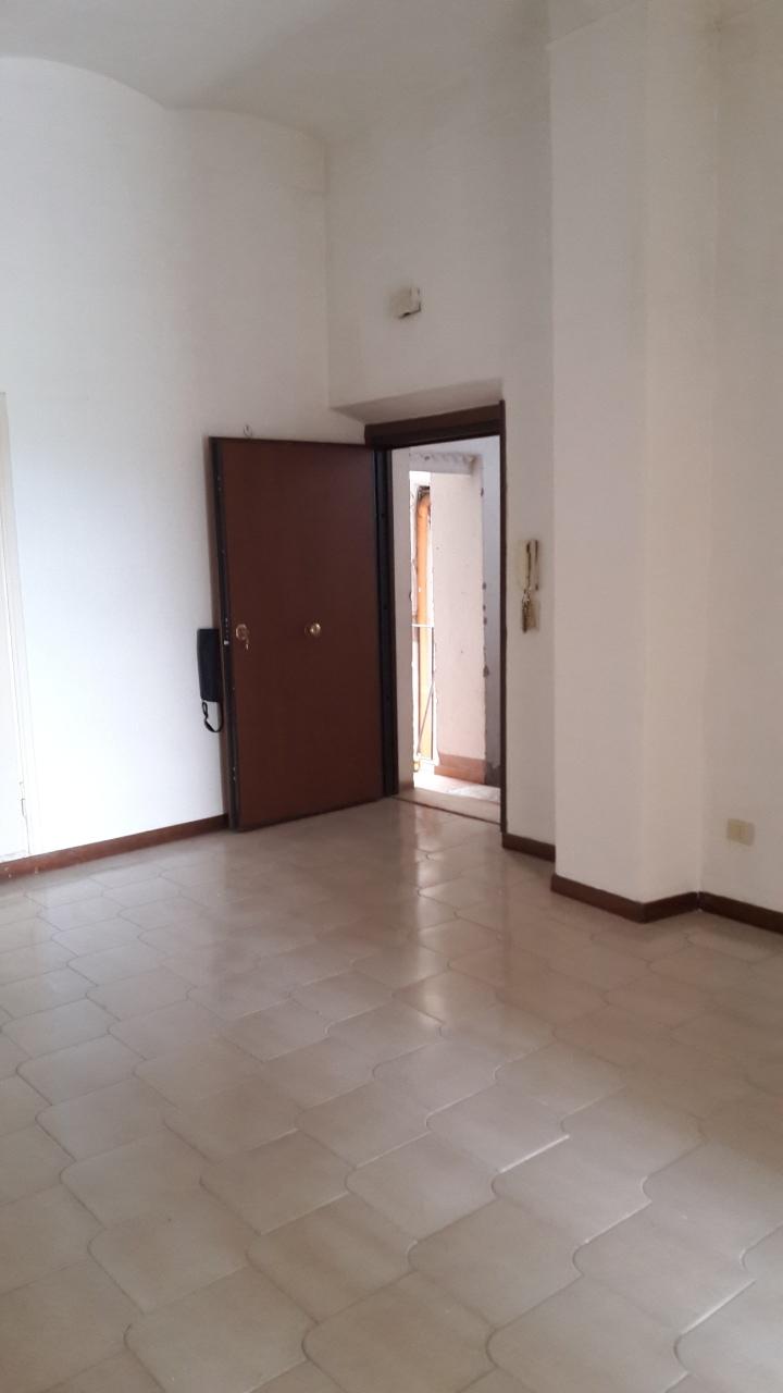 Appartamento da ristrutturare in vendita Rif. 6874698