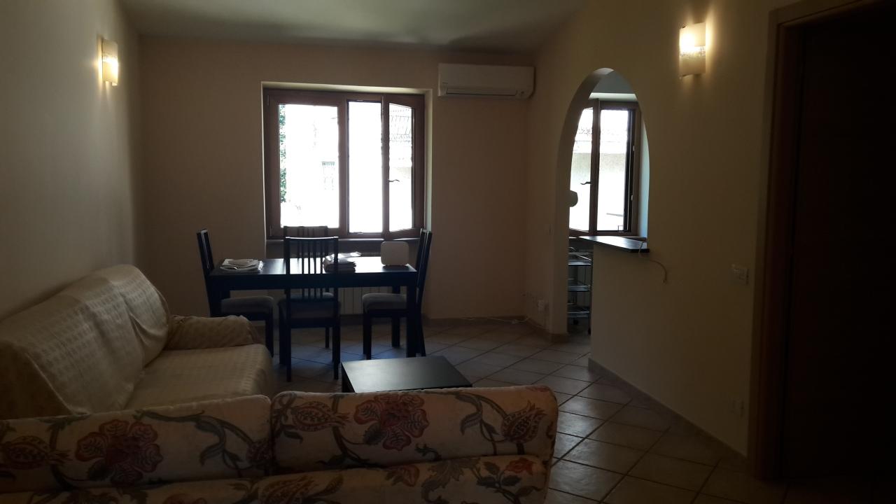 Attico / Mansarda in ottime condizioni arredato in affitto Rif. 11724396