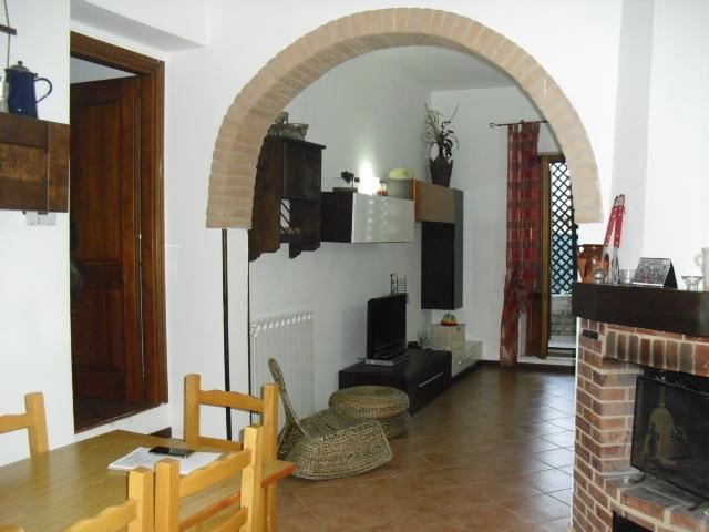 Appartamento ristrutturato in vendita Rif. 8638032