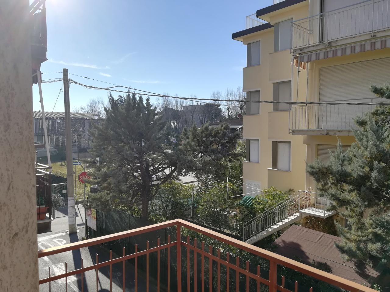 Appartamento da ristrutturare arredato in affitto Rif. 9526083