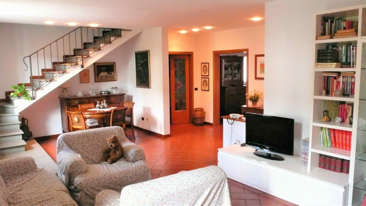 Casa Indipendente da ristrutturare in vendita Rif. 10404287
