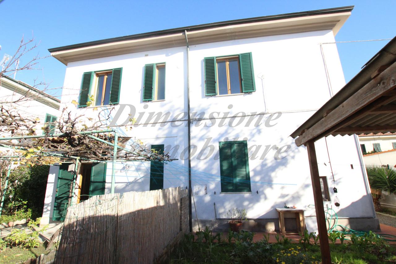 Villetta a schiera in buone condizioni in vendita Rif. 8828274