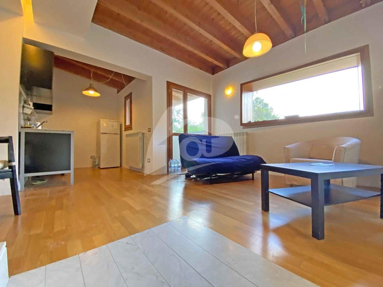 Appartamento in affitto a Leggiuno, 2 locali, prezzo € 550 | PortaleAgenzieImmobiliari.it