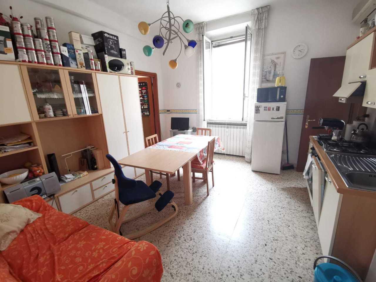 Trilocale in buone condizioni arredato in affitto Rif. 10725084