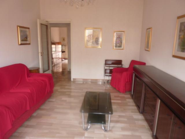 Appartamento in buone condizioni in vendita Rif. 9841465