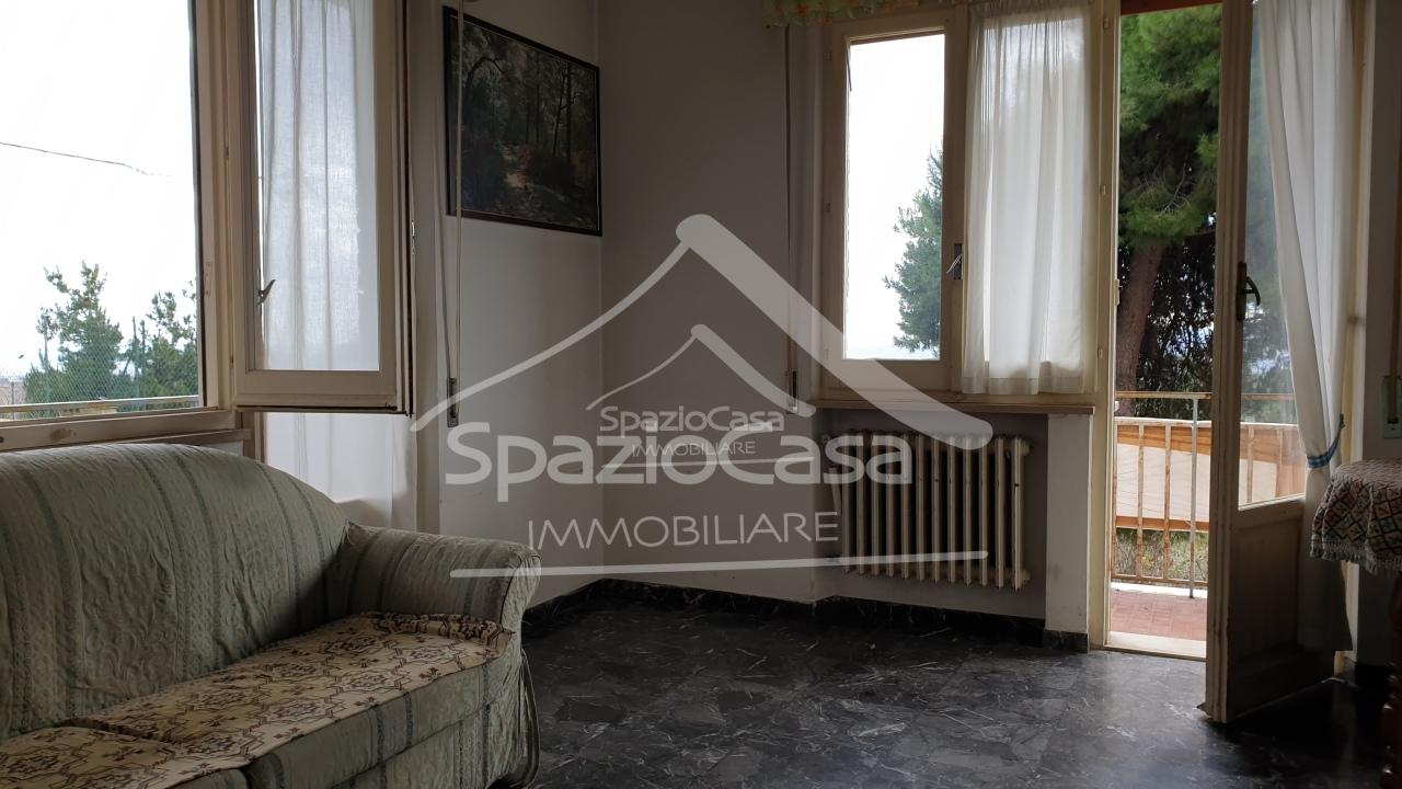 Soluzione Indipendente in vendita a Città Sant'Angelo, 4 locali, prezzo € 140.000 | CambioCasa.it