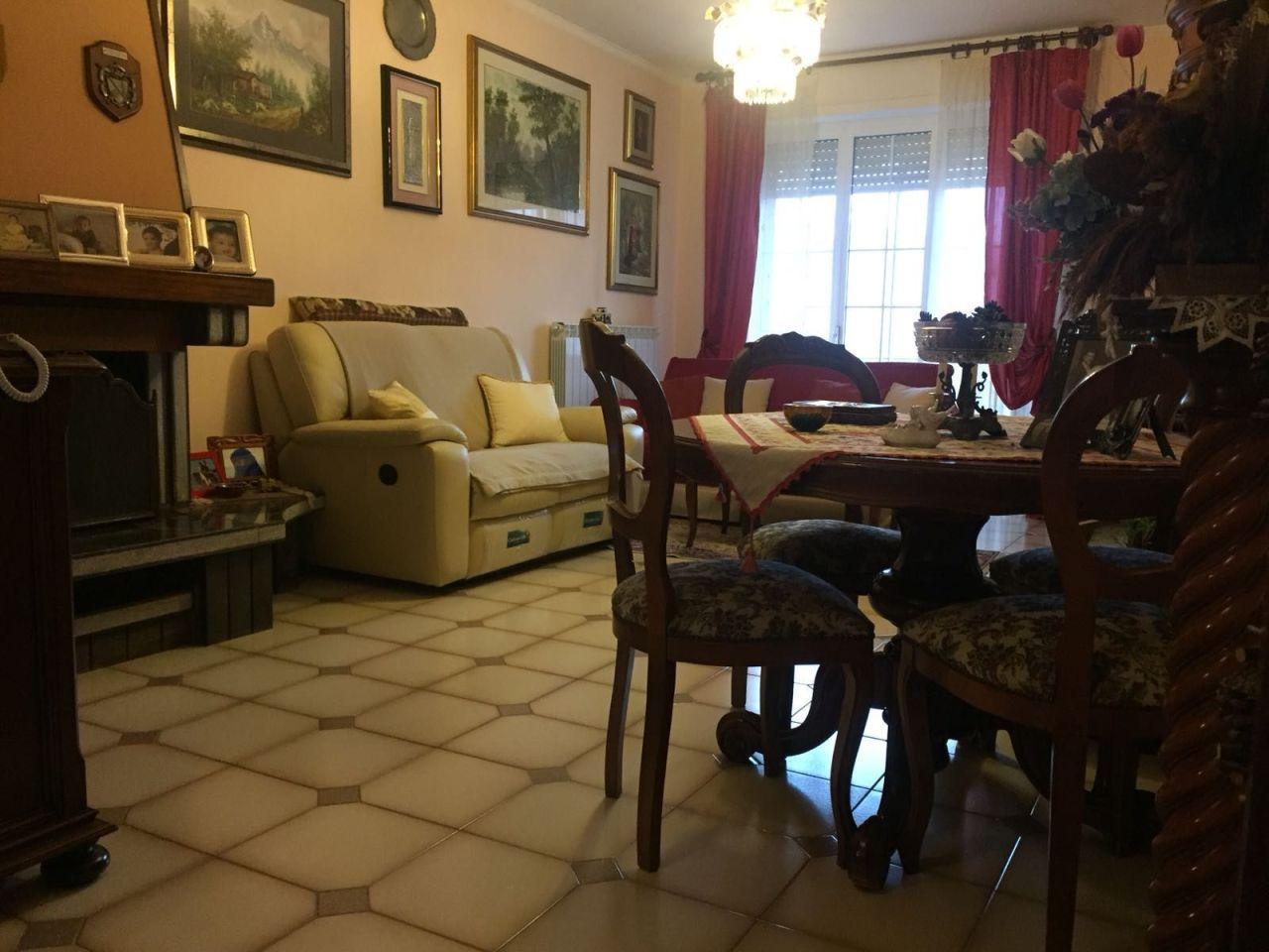 Appartamento - Quadrilocale a Caniparola, Fosdinovo