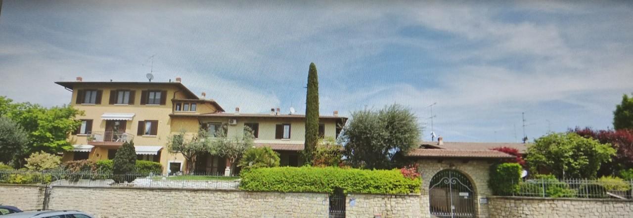 Villetta a schiera in buone condizioni in vendita Rif. 11625591