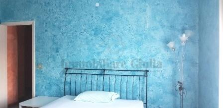 Stanza / posto letto in buone condizioni arredato in affitto Rif. 10430385