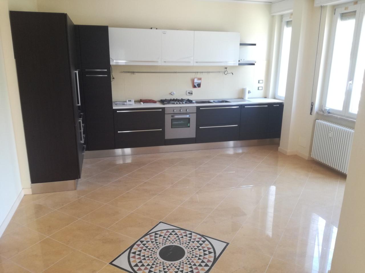 Appartamento - Attico a Valloria, Savona