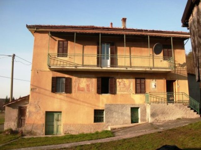 Rustico / Casale in vendita a Giusvalla, 20 locali, prezzo € 140.000 | PortaleAgenzieImmobiliari.it