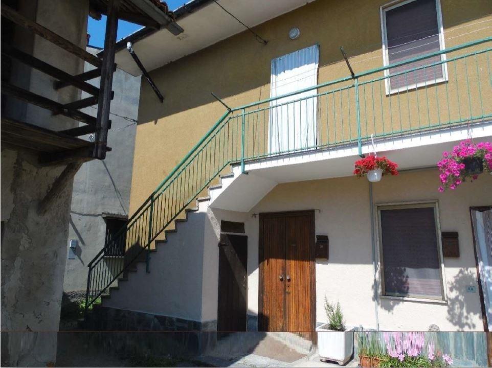 Casa Indipendente in discrete condizioni in vendita Rif. 11045287