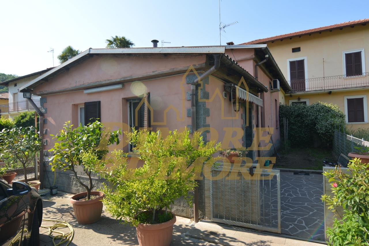 Villa in vendita a Leggiuno, 4 locali, prezzo € 105.000 | CambioCasa.it
