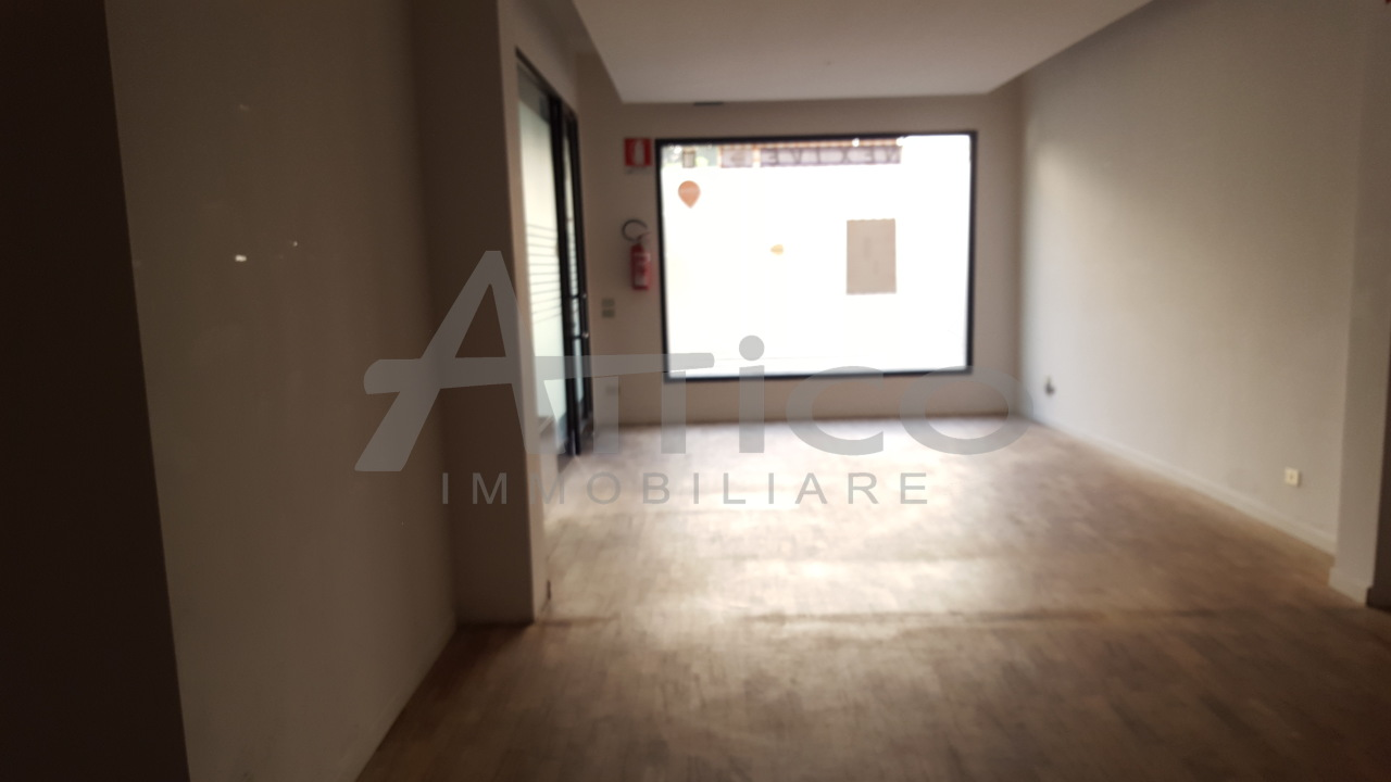 Locale commerciale - 1 Vetrina a Città, Rovigo Rif. 4169487