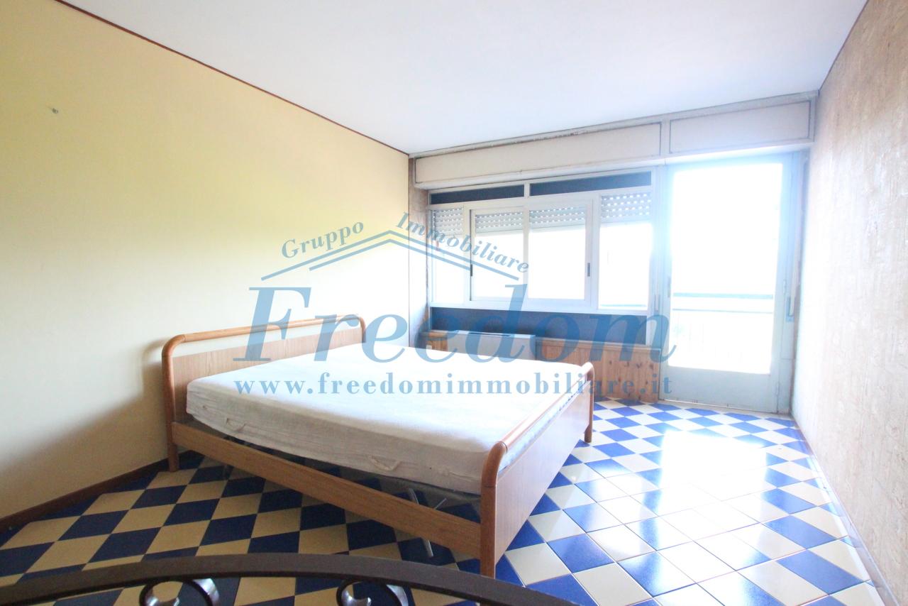 Appartamento da ristrutturare in vendita Rif. 8702998