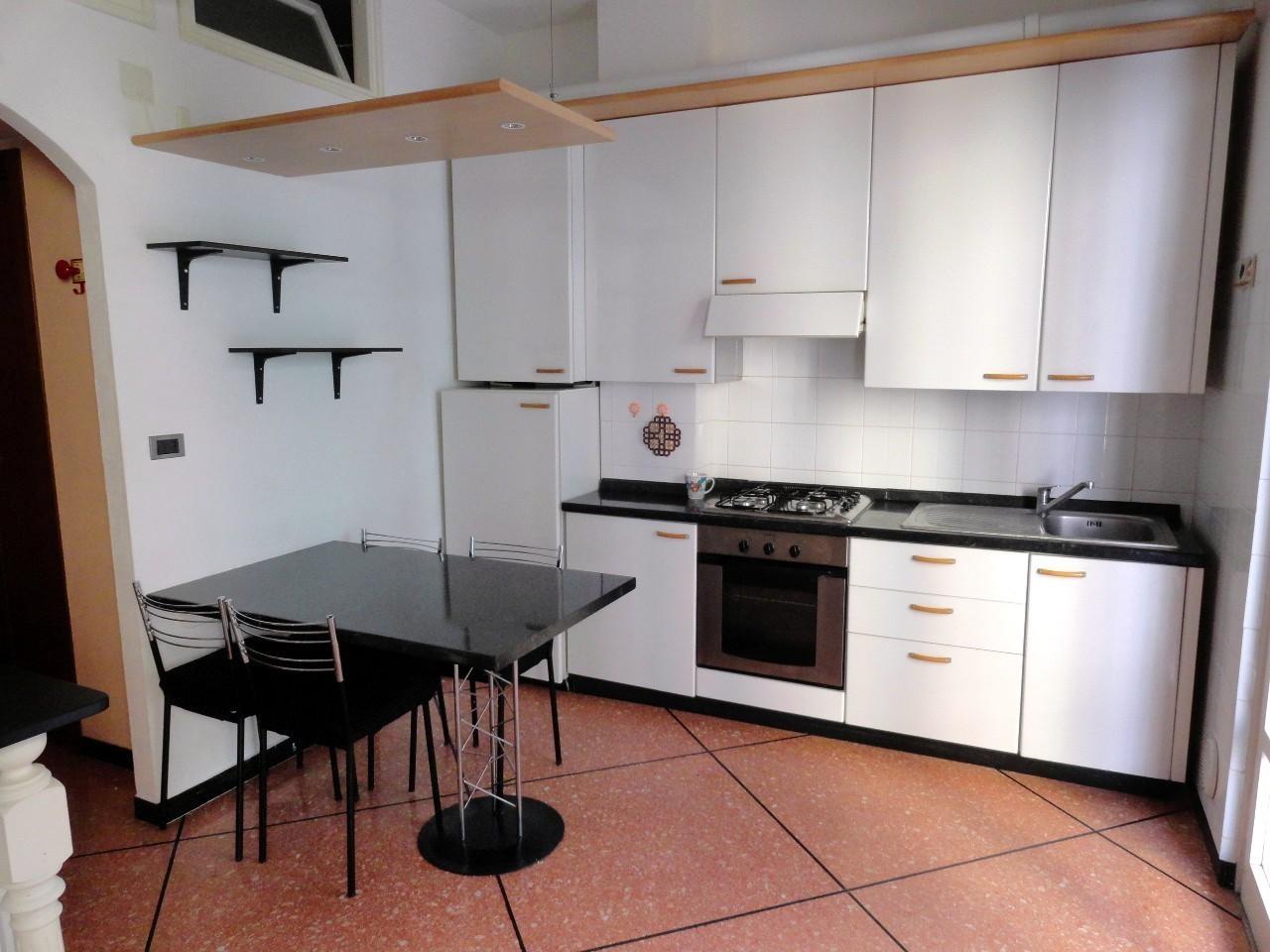 Appartamento in affitto a Rapallo, 4 locali, prezzo € 350 | PortaleAgenzieImmobiliari.it