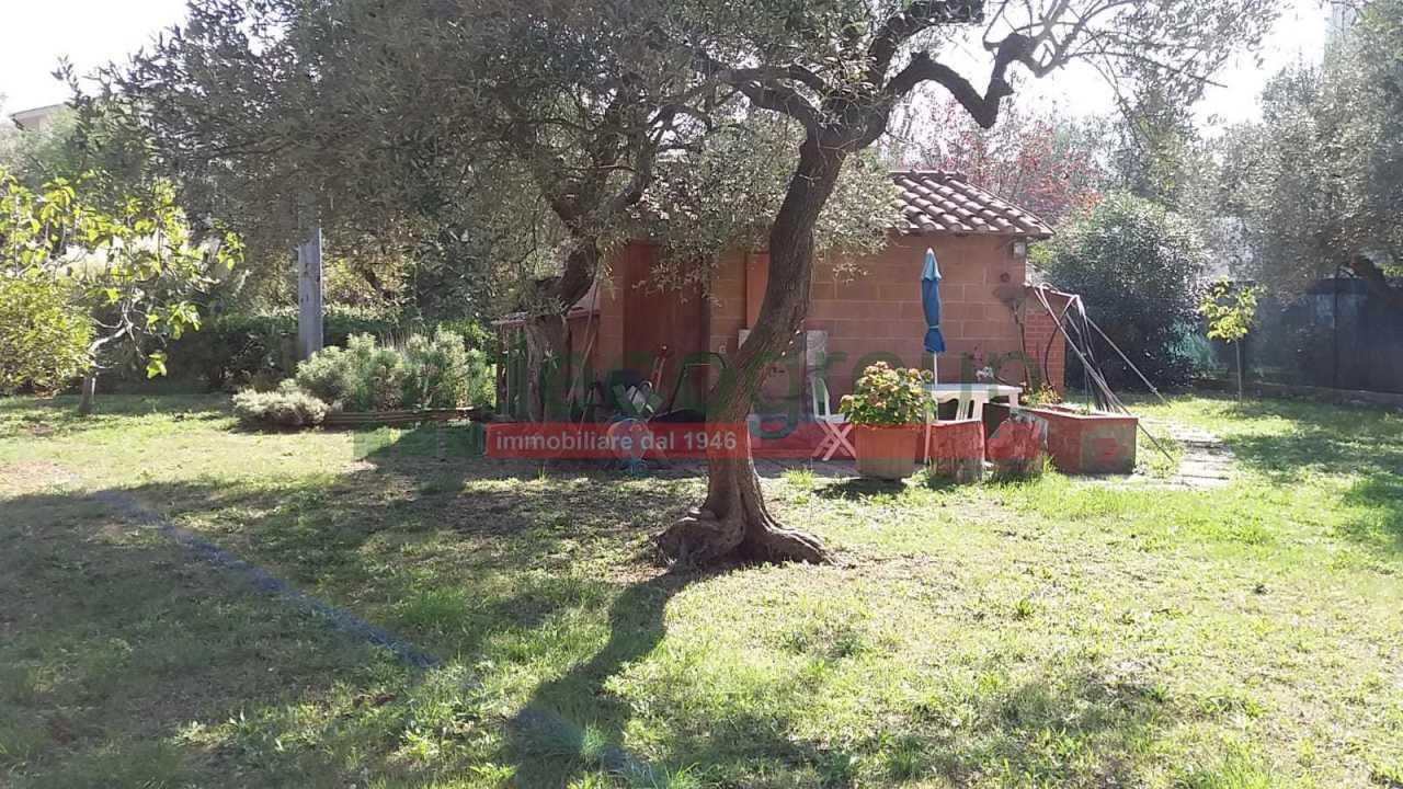 Casa Indipendente in ottime condizioni in vendita Rif. 11093474