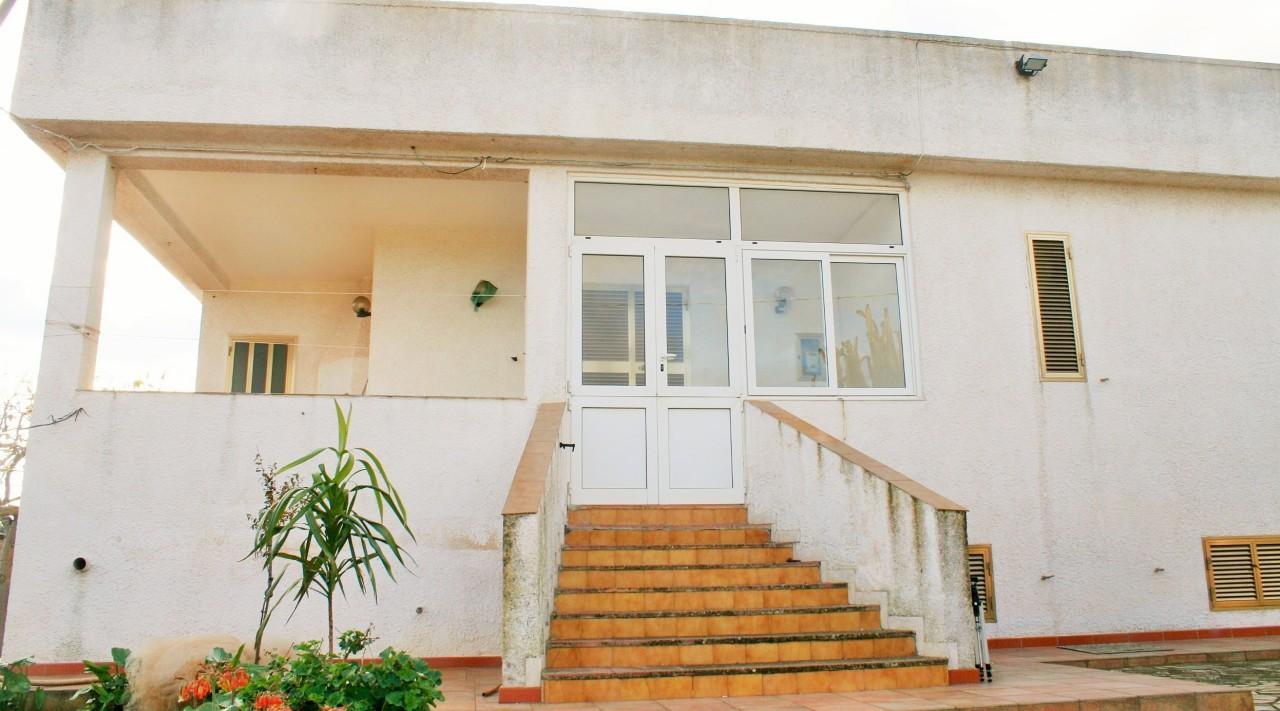 Villa da ristrutturare in vendita Rif. 8859198