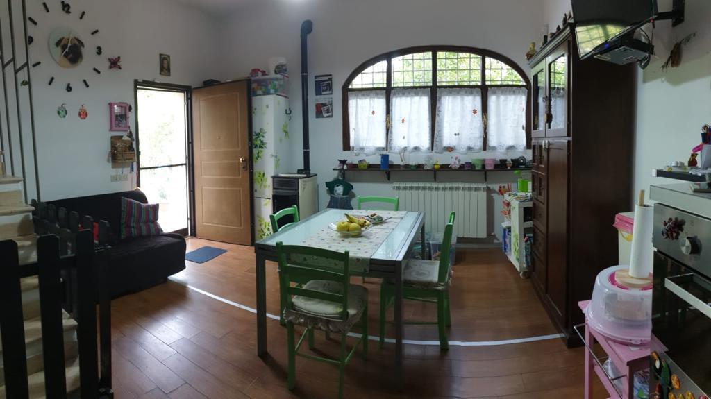 Villetta a schiera in ottime condizioni in vendita Rif. 10452201