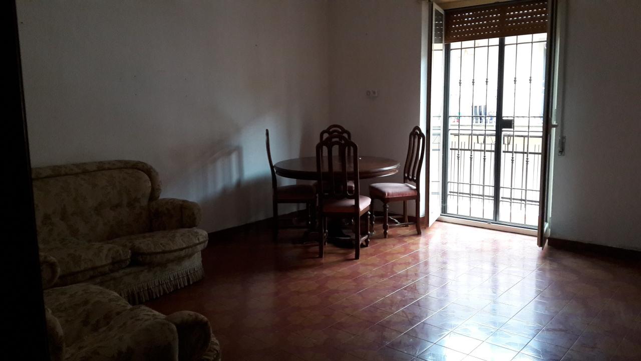 Quadrilocale in buone condizioni in vendita Rif. 11788361