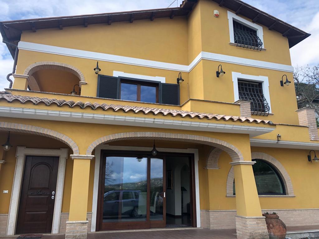 Villa in ottime condizioni in vendita Rif. 7844158