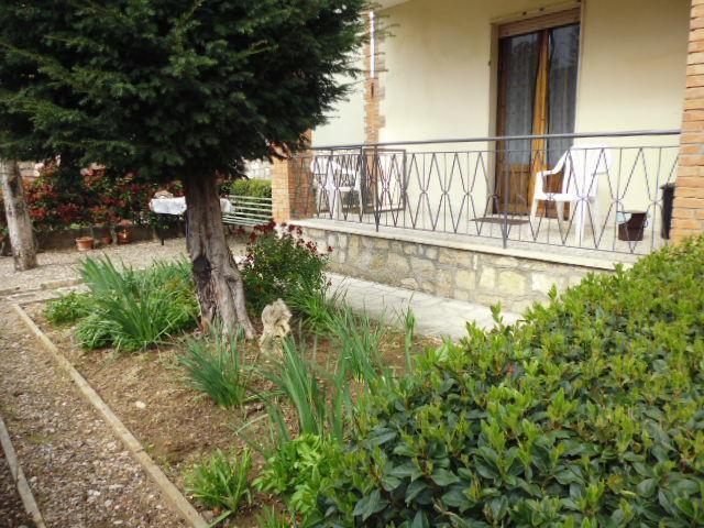 Casa Indipendente in buone condizioni in vendita Rif. 9957998