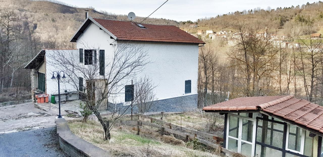 Rustico / Casale in vendita a Millesimo, 7 locali, prezzo € 100.000   PortaleAgenzieImmobiliari.it