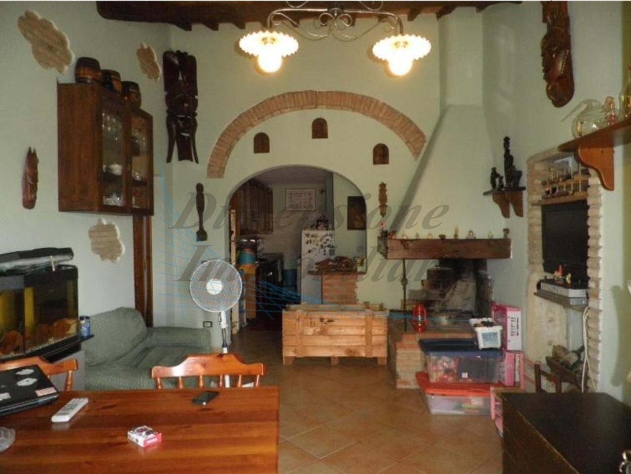 Appartamento - Indipendente a Castellina Marittima