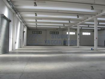 Immagine di Capannone / Fondo Industriale/Artigianale In Affitto Taggia (IM)  non disponibile