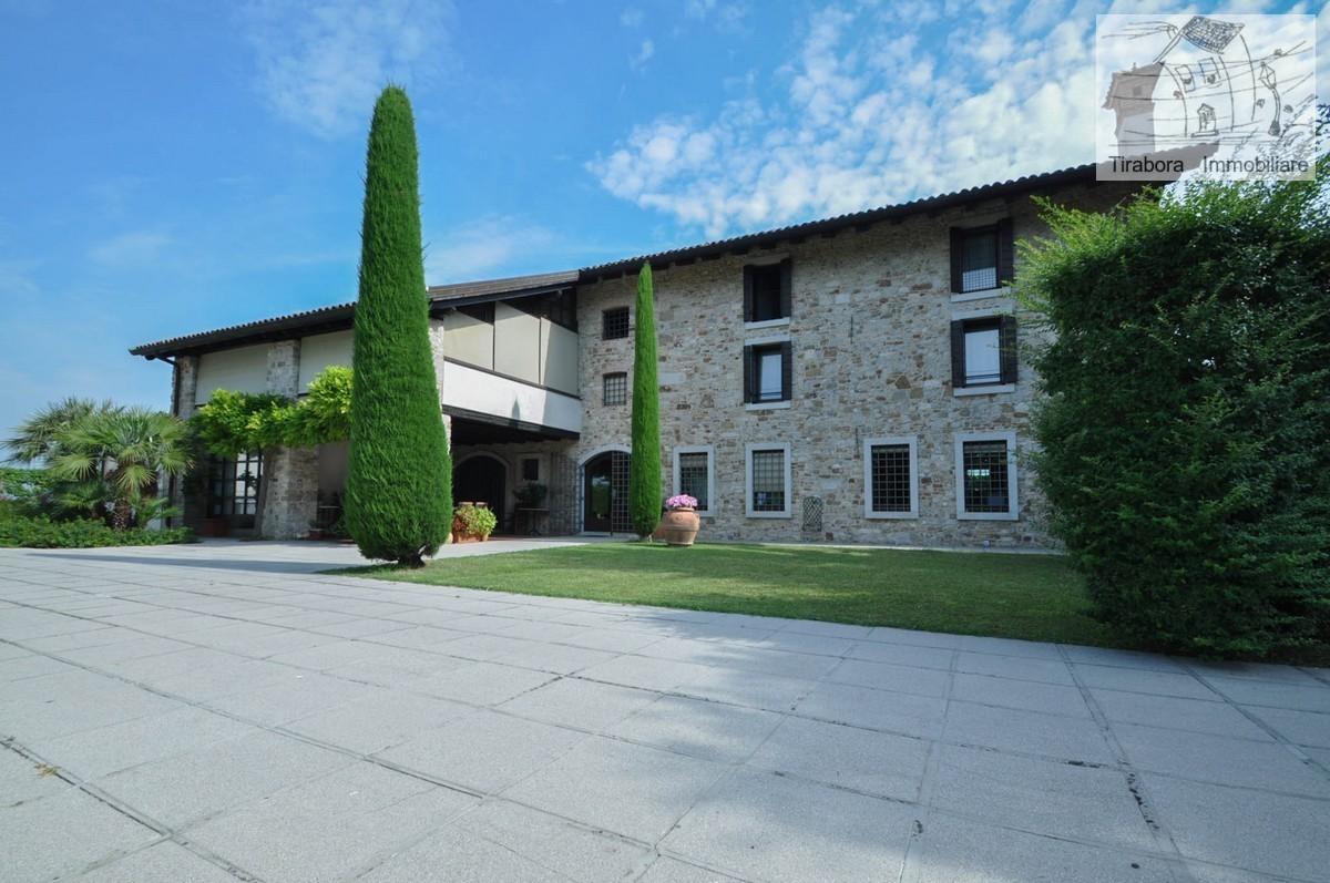 Villa in vendita a Aquileia, 14 locali, prezzo € 890.000 | CambioCasa.it