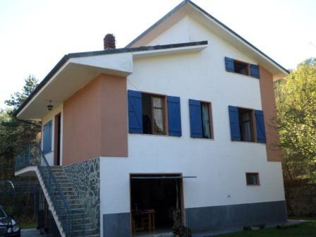 Villa in buone condizioni in vendita Rif. 4165491