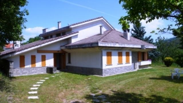 Appartamento in buone condizioni in affitto Rif. 4165628