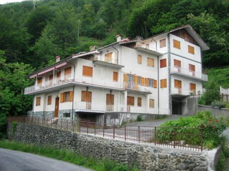Appartamento in buone condizioni in vendita Rif. 4165629