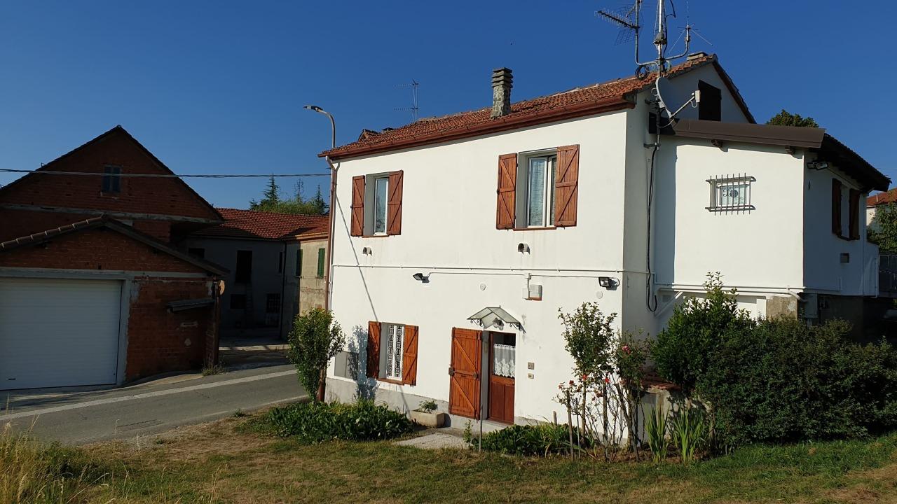 Soluzione Indipendente in vendita a Ponzone, 8 locali, prezzo € 130.000 | PortaleAgenzieImmobiliari.it