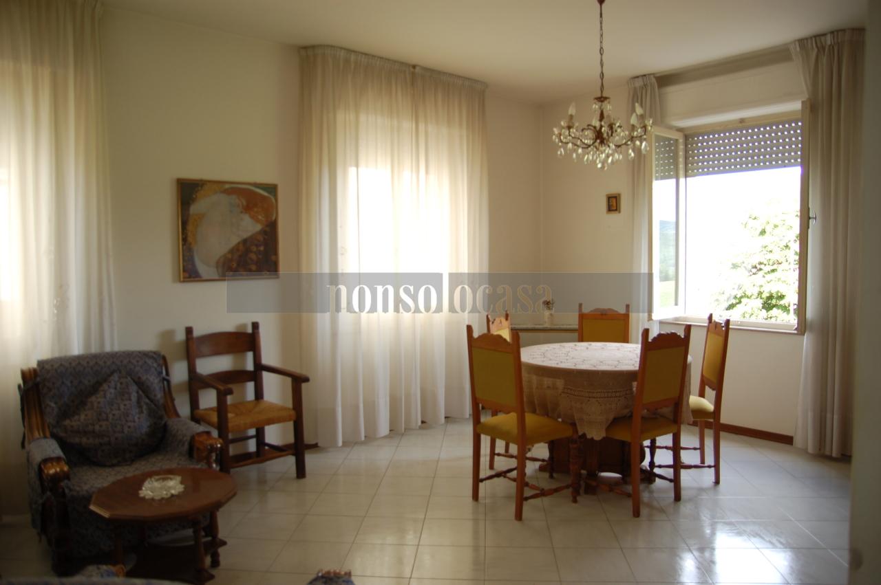 Appartamento in affitto a Deruta, 4 locali, prezzo € 350 | CambioCasa.it