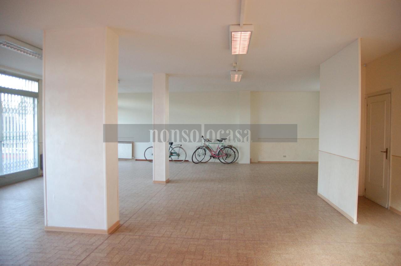 Negozio / Locale in affitto a Marsciano, 1 locali, prezzo € 400 | CambioCasa.it