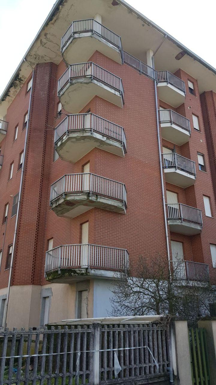 Stabile / Palazzo in discrete condizioni in vendita Rif. 10954084