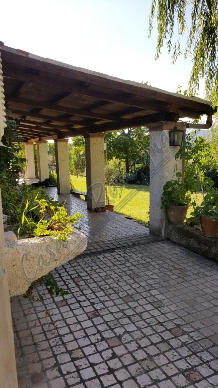 Villa in buone condizioni in vendita Rif. 10244810