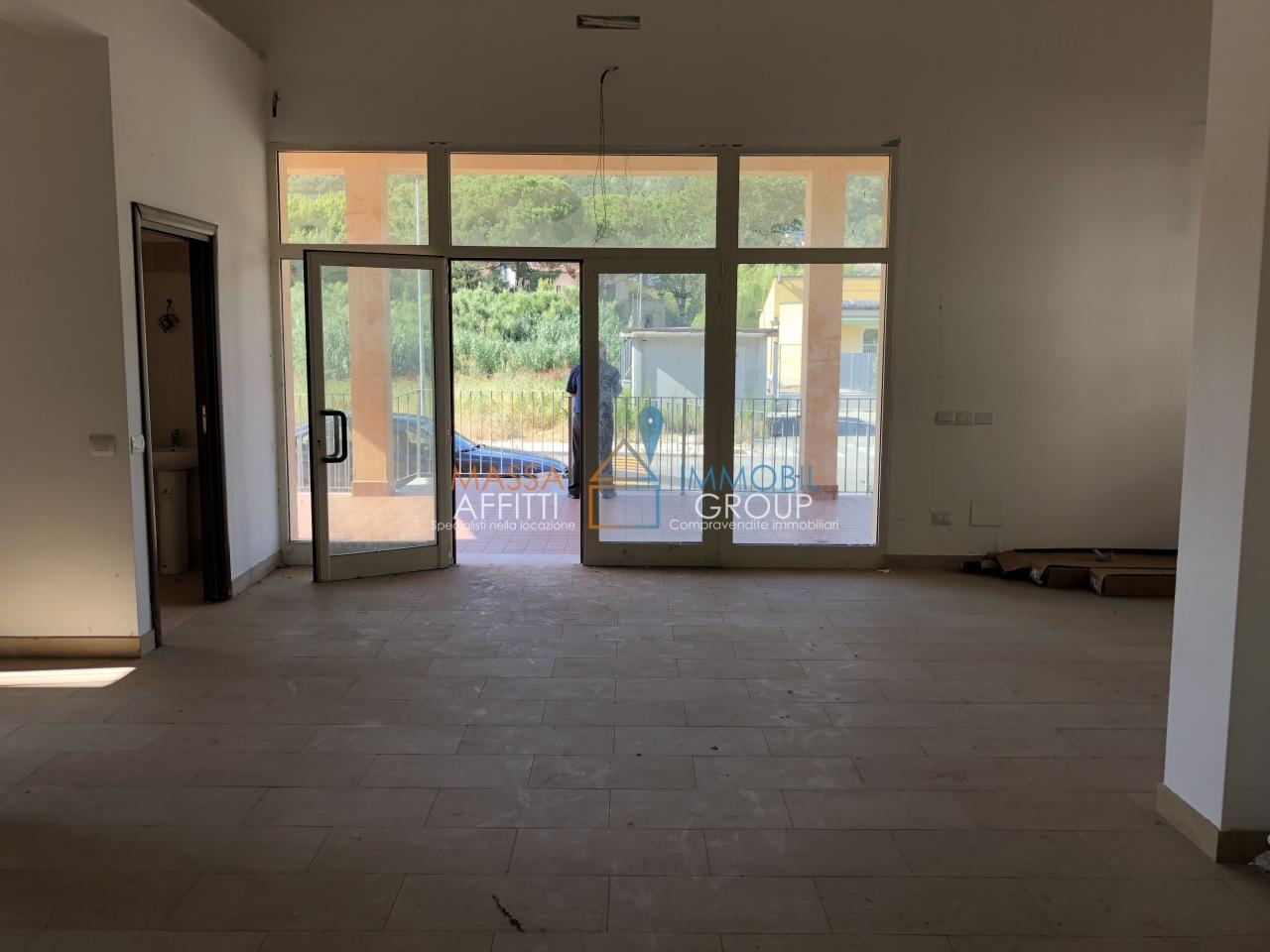 Locale commerciale - 2 Vetrine a Albiano Magra, Aulla Rif. 7240352