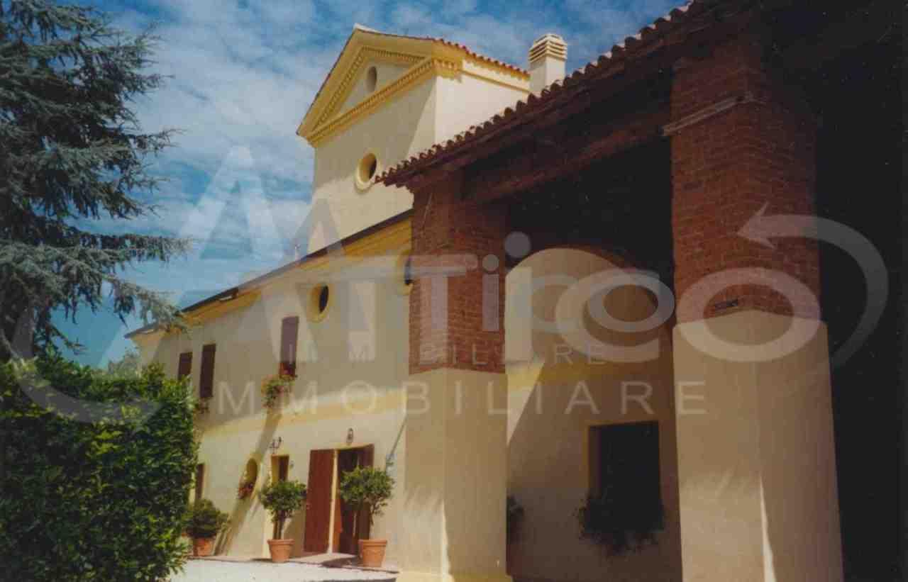 Rustico / Casale da ristrutturare in vendita Rif. 4169598
