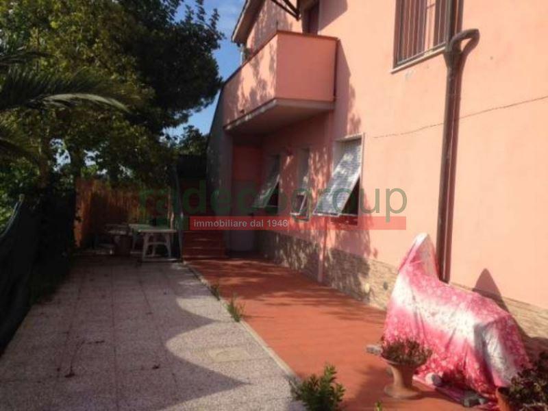 Villetta a schiera ristrutturato arredato in vendita Rif. 7359409