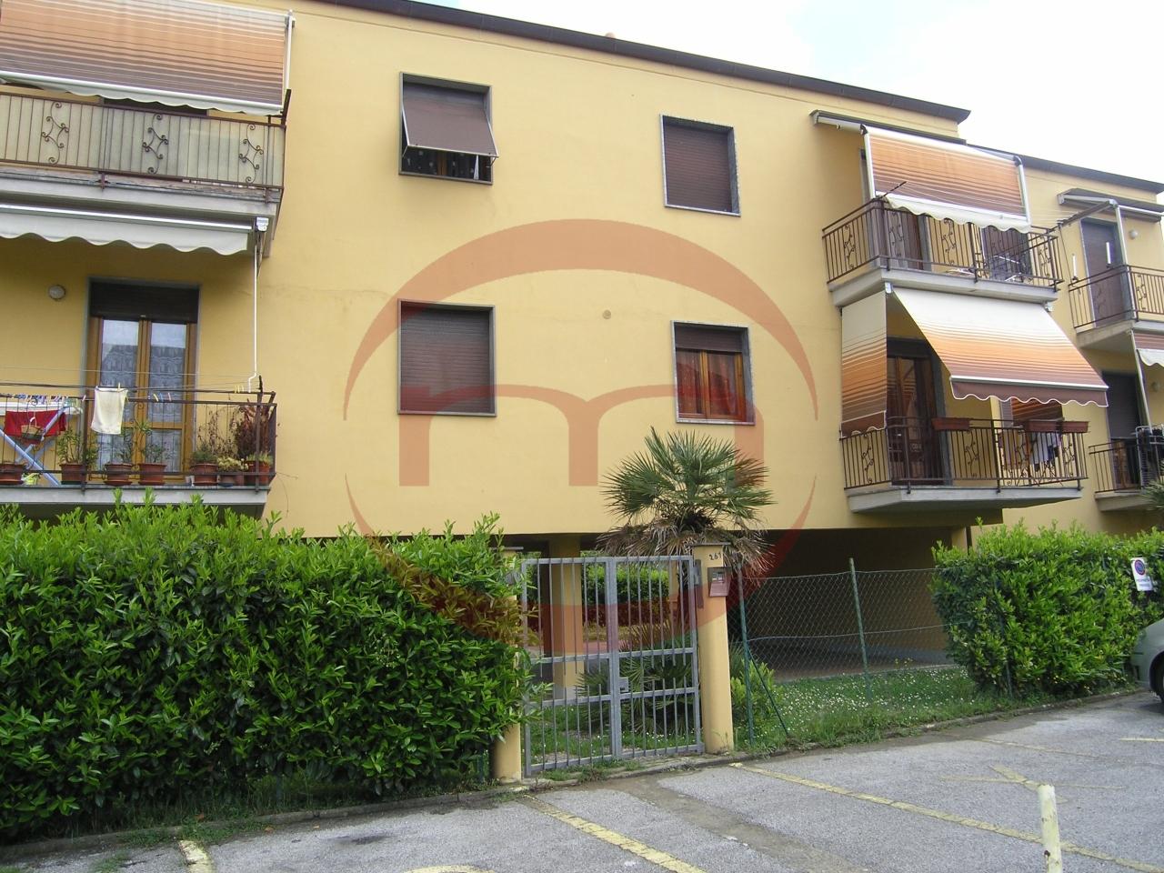 Appartamento in affitto a Sarzana, 3 locali, prezzo € 550   CambioCasa.it