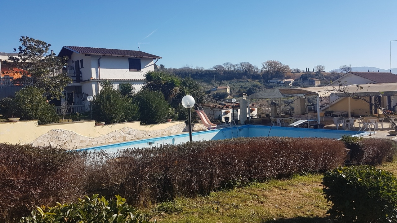 Indipendente - Villa a Fara in Sabina