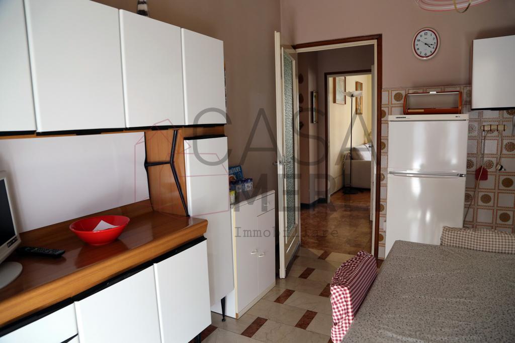 Trilocale in ottime condizioni arredato in affitto Rif. 10695092