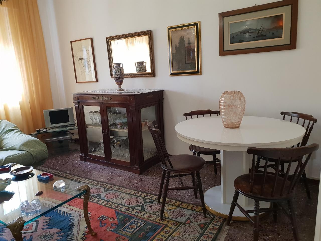 Appartamento in buone condizioni in affitto Rif. 10231189