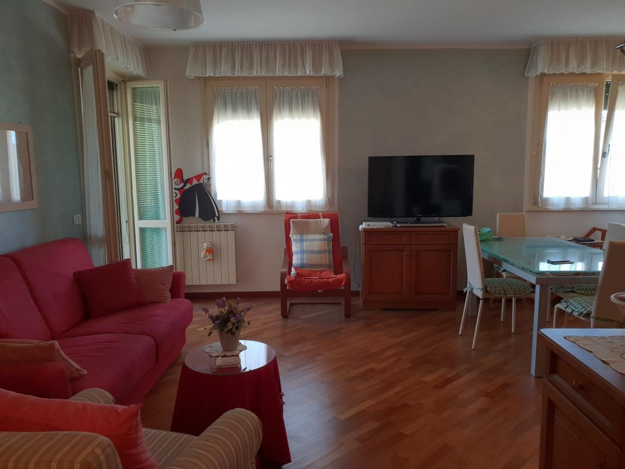 Appartamento in buone condizioni in vendita Rif. 9811415