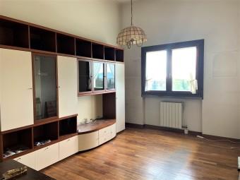 Rif.(346) - Appartamento, Prato